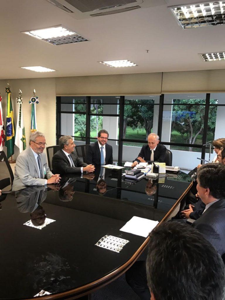 Na parte da tarde, os conselheiros se reuniram com o presidente do Tribunal de Contas da União, ministro Raimundo Carreiro.